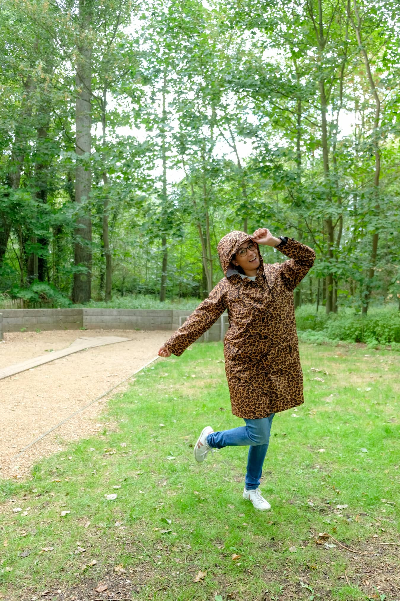 eco regenjas met luipaardprint