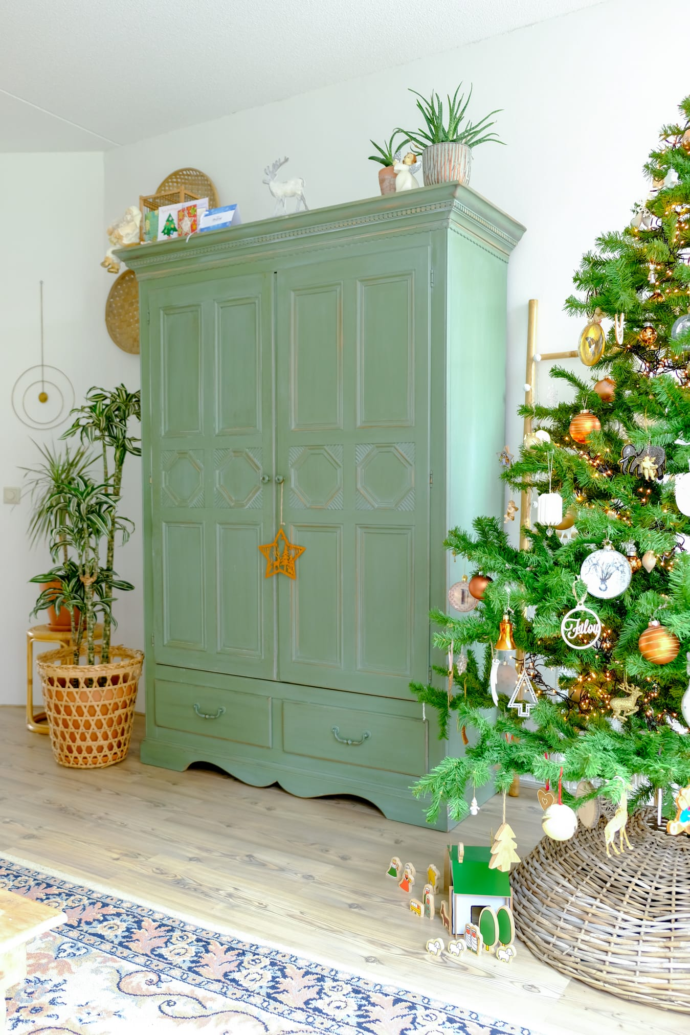 kerststal onder de boom
