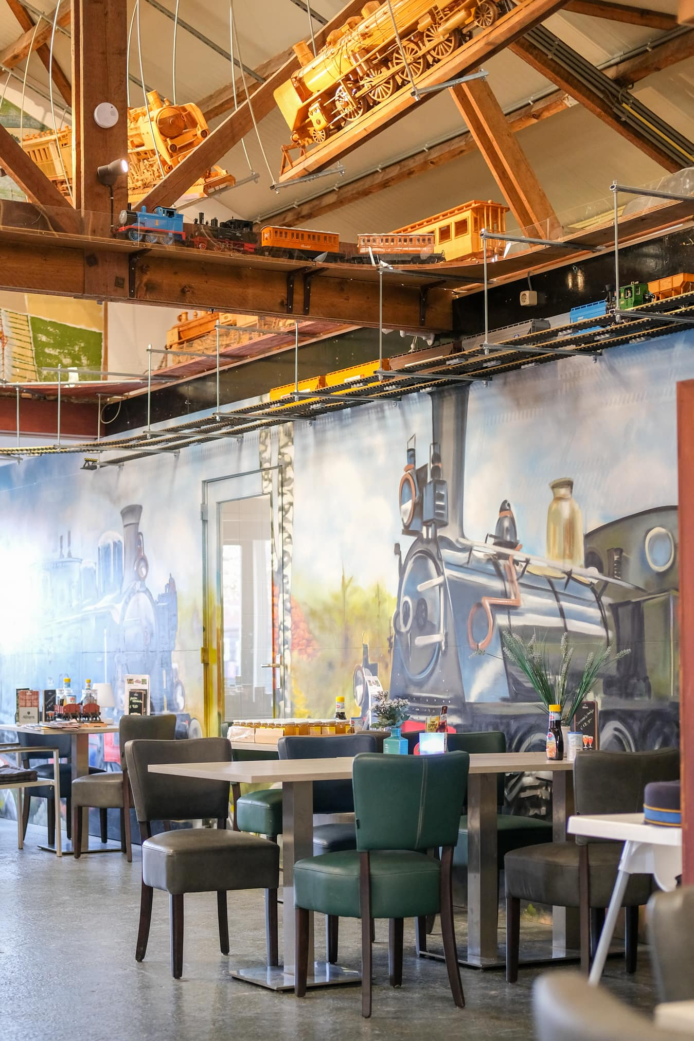 interieur treinen restaurant