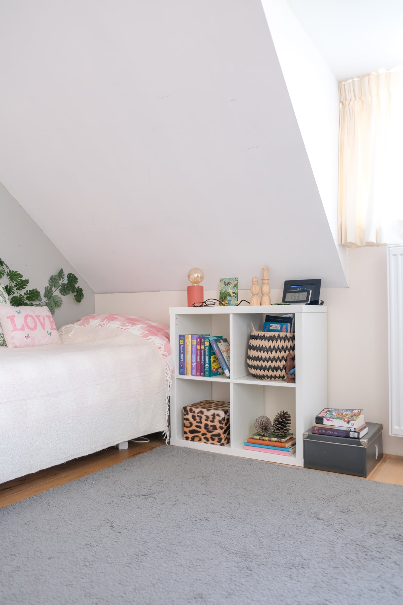 nachtkastje slaapkamer tiener