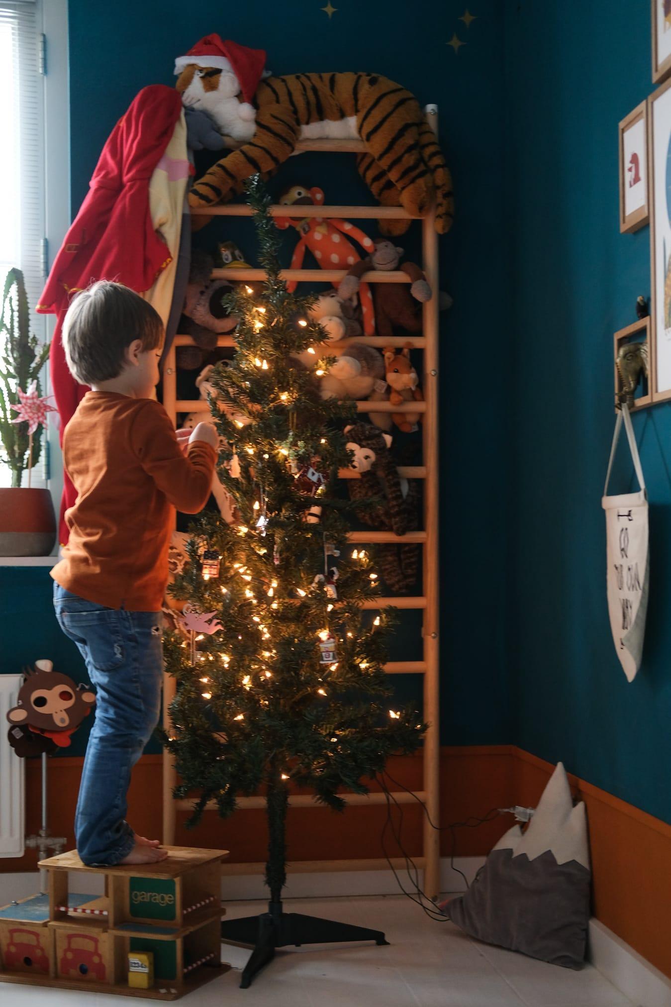 kerstboom kinderkamer