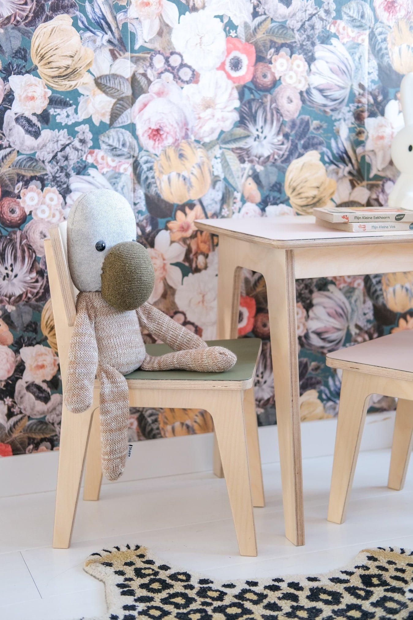 duurzame kleuterstoel met bureau