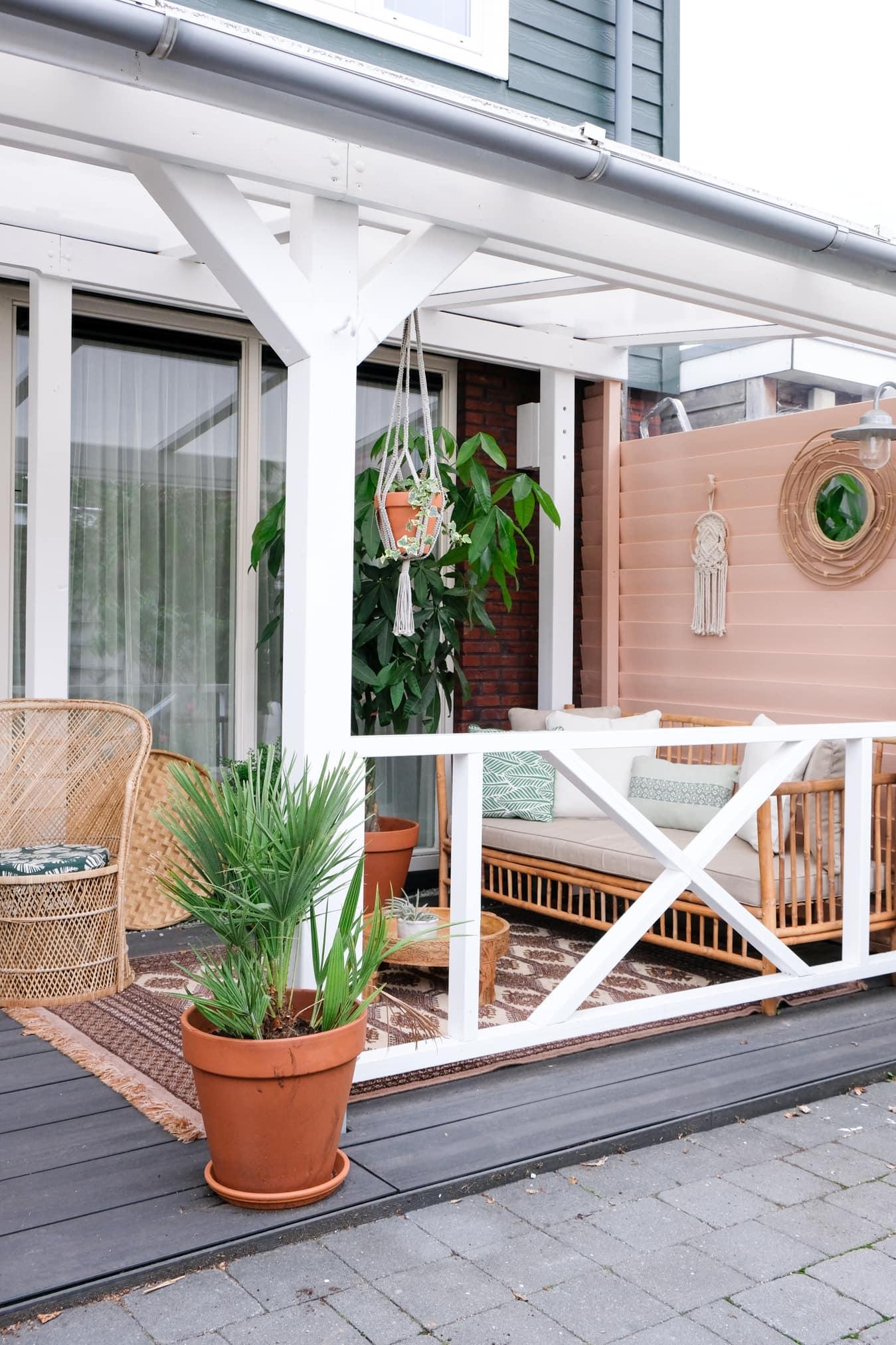 roze veranda styling tips